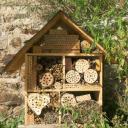 Hôtel nichoirs de jardin pour abeilles sauvages