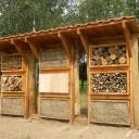 Hôtel nichoirs pour abeilles sauvages